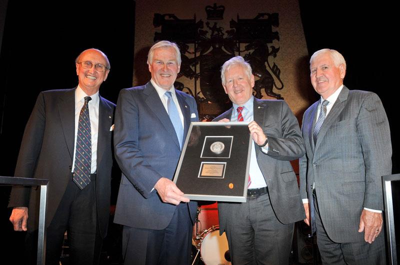 Dr. Tony Fell, Hon. Michael Wilson, Hon. Bob Rae, Léo Duguay.